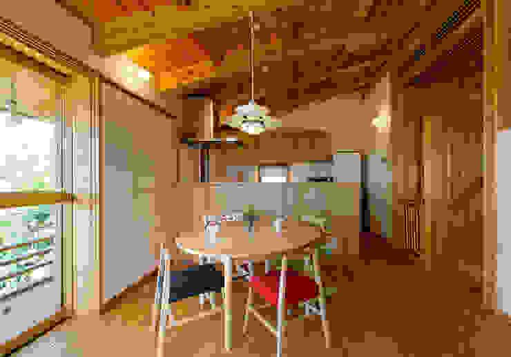 IR House: 磯村建築設計事務所が手掛けた現代のです。,モダン