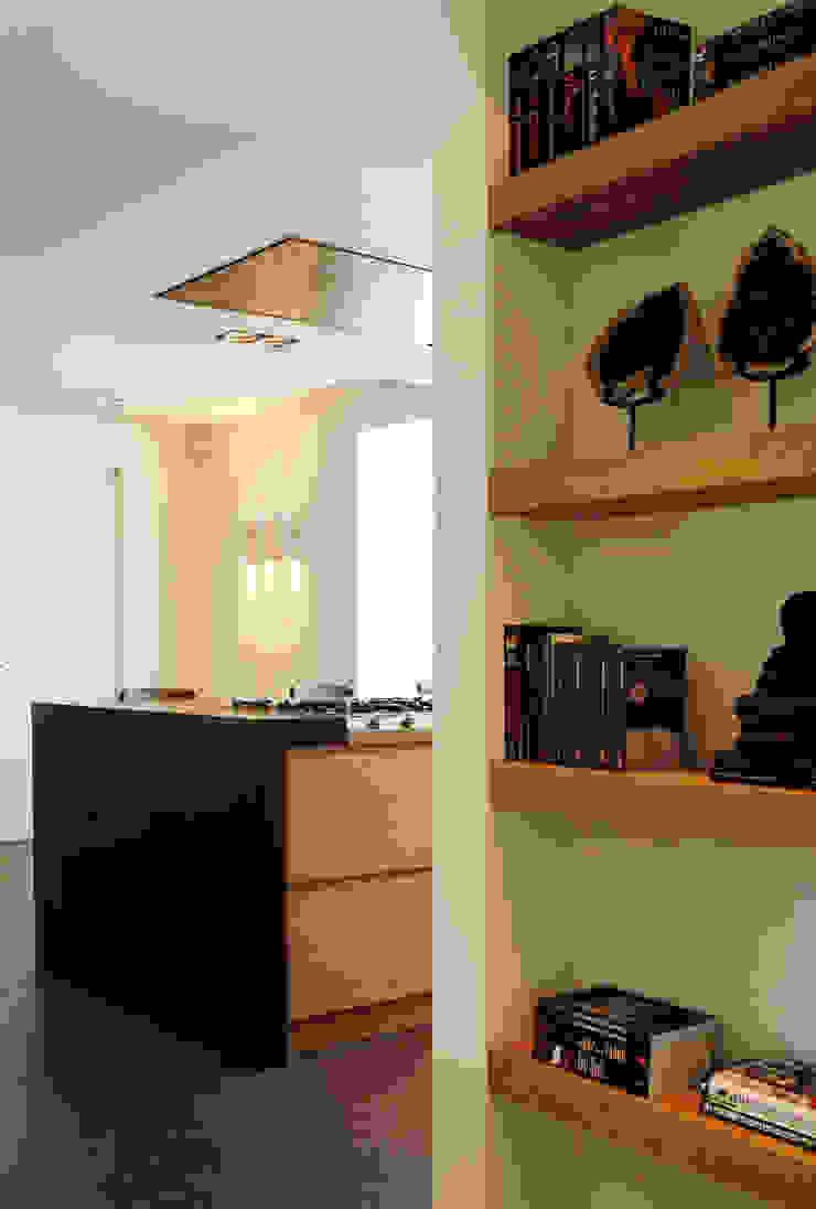 Project Ten Klei Moderne keukens van huis van strijdhoven Modern