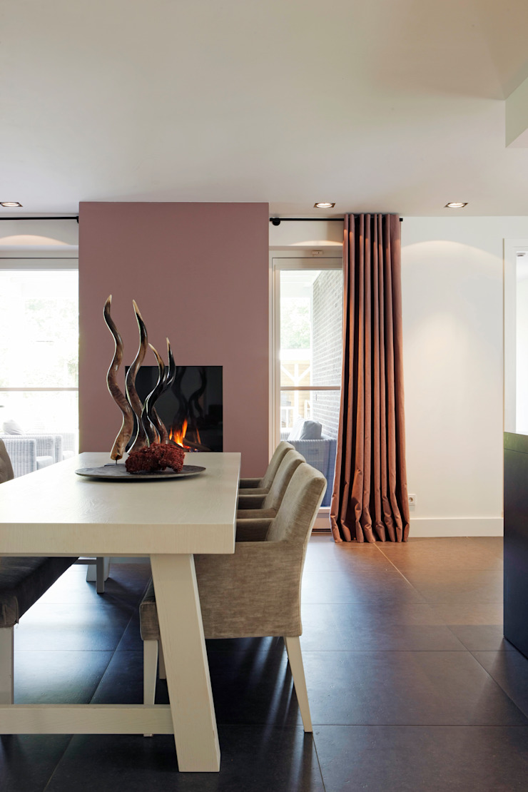 Project Ten Klei Moderne eetkamers van huis van strijdhoven Modern