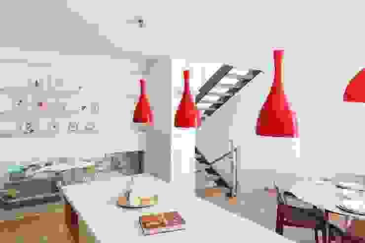 View from the kitchen Modern kitchen by AR Architecture Modern
