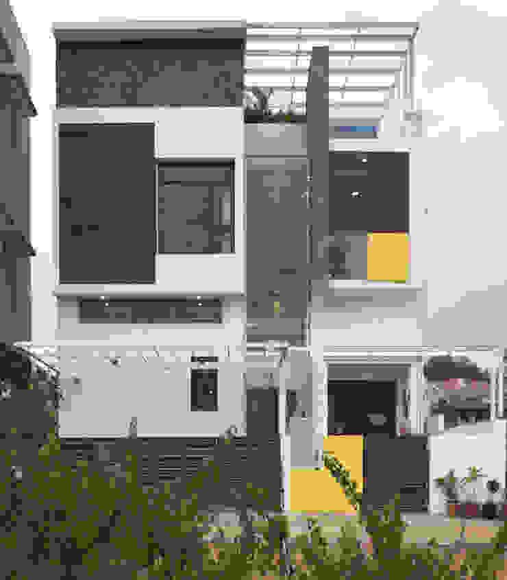 Mr.RAMKUMAR RESIDENCE , UTTRAHALLI, BANGALORE Minimalist houses by perspective architects Minimalist