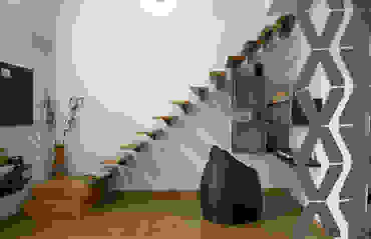 Mr.RAMKUMAR RESIDENCE , UTTRAHALLI, BANGALORE Minimalist bedroom by perspective architects Minimalist