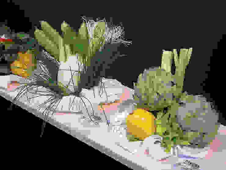 DIVERS - boeketten om op te eten: modern  door Studio Janina Loeve, Modern