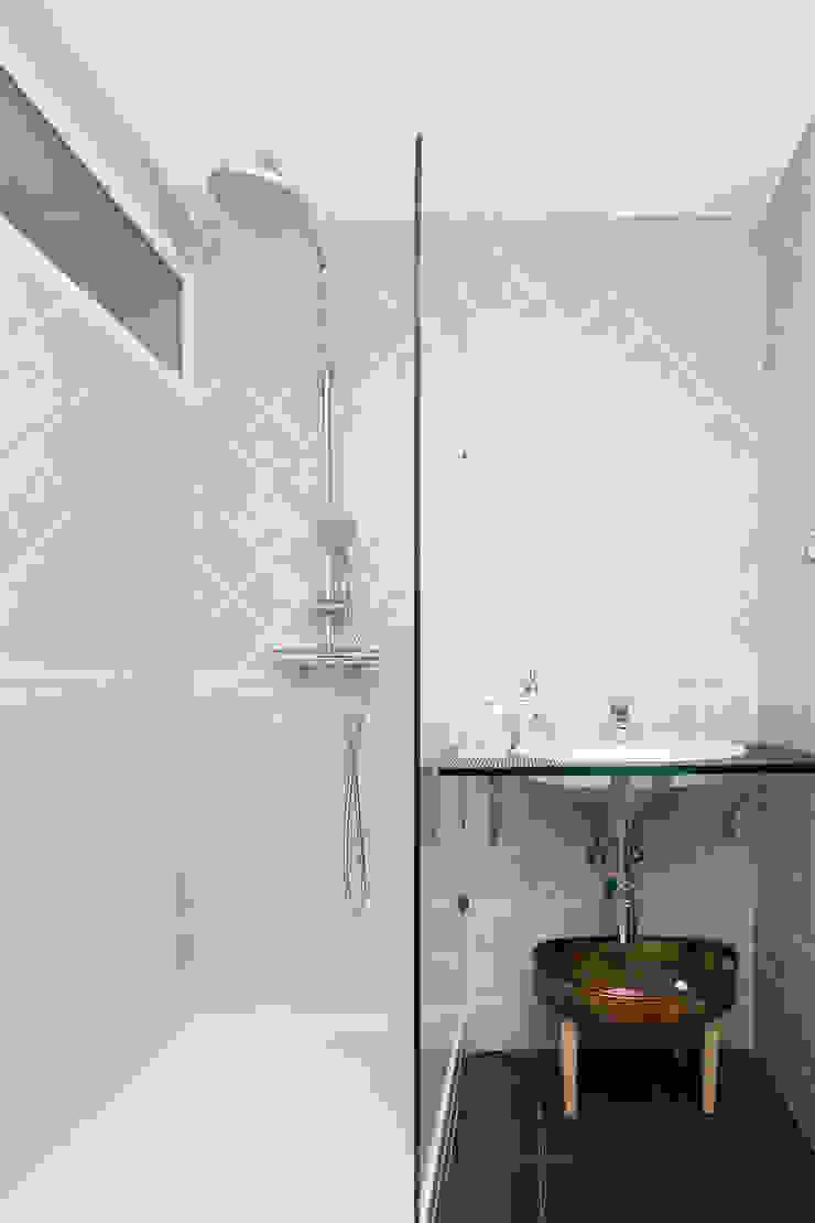 DISEÑO Y ARQUITECTURA INTERIOR Salle de bain moderne