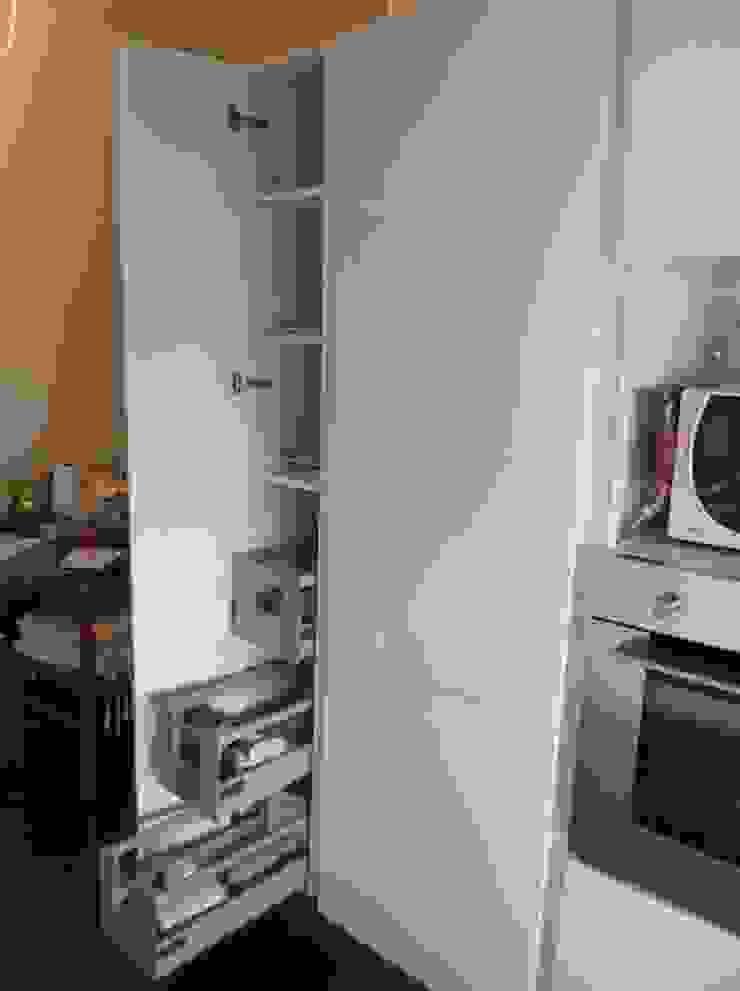 Idea d' Interni Arredamenti ห้องครัว