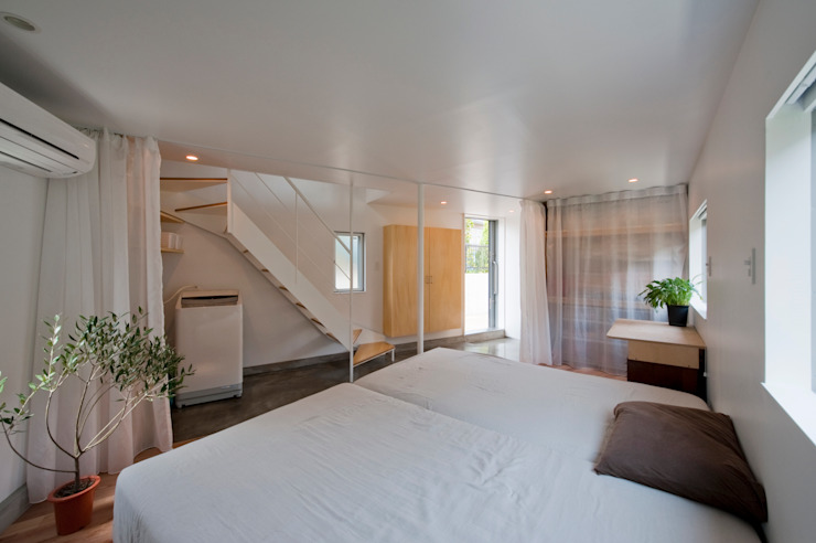 ​River side house / House in Horinouchi 水石浩太建築設計室/ MIZUISHI Architect Atelier Modern style bedroom