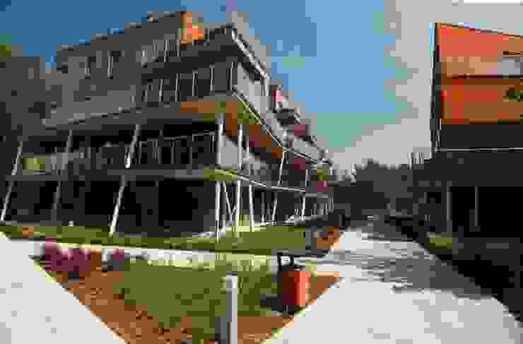 osiedle mieszkaniowe Marina, ul Krzyżówki, Warszawa- realizacja Nowoczesne domy od Marek Rytych Nowoczesny