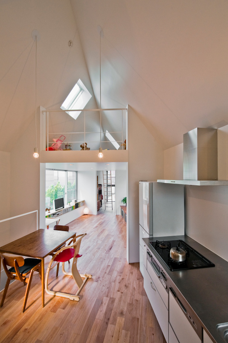 ​River side house / House in Horinouchi Modern Dining Room by 水石浩太建築設計室/ MIZUISHI Architect Atelier Modern