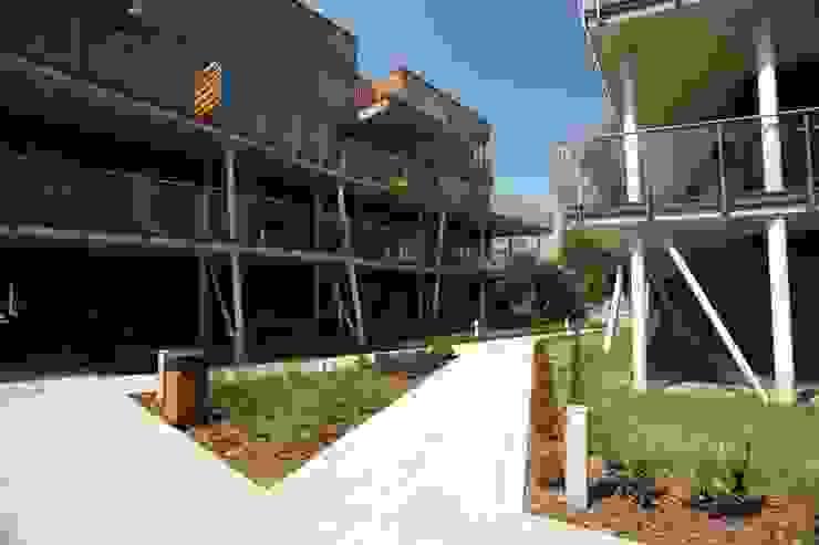 osiedle mieszkaniowe Marina, ul Krzyżówki, Warszawa- realizacja Nowoczesne domowe biuro i gabinet od Marek Rytych Nowoczesny