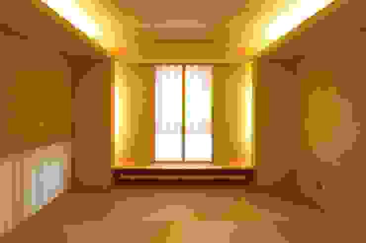 定山渓SKYHOUSE モダンスタイルの寝室 の 株式会社 遠藤建築アトリエ モダン