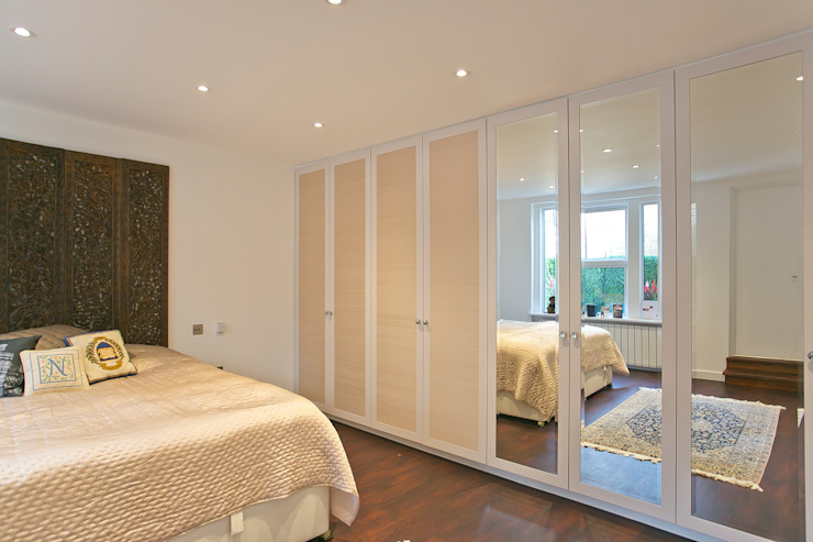 Bedroom: modern  by Temza design and build, Modern