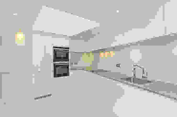 Kitchen Modern kitchen by Temza design and build Modern