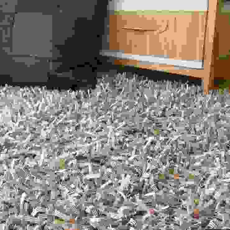 Vestir suelos con alfombras de hilo multicolores de latiendawapa Ecléctico