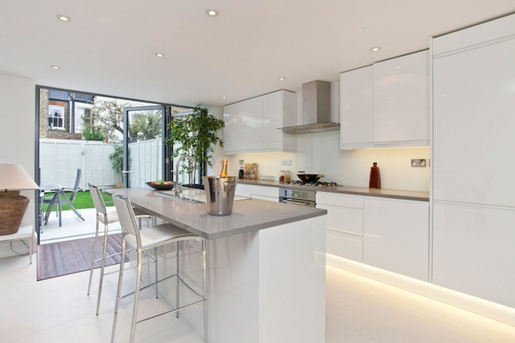 Narbonne Avenue Clapham Modern kitchen by Bolans Architects Modern