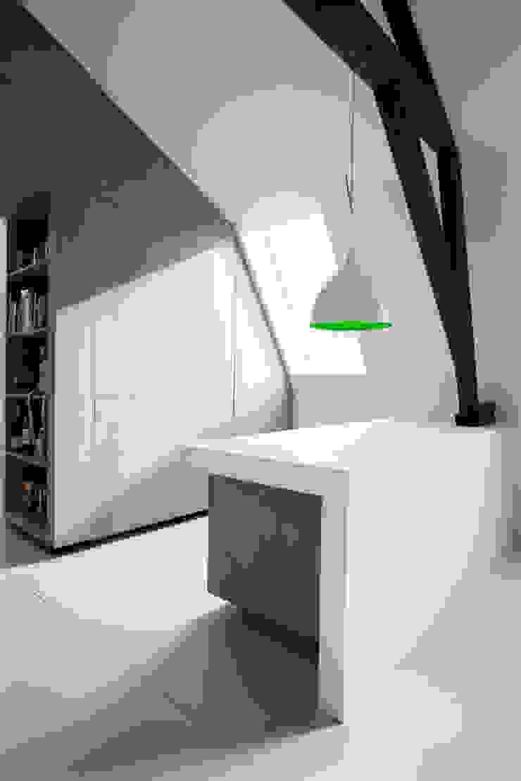 Appartement in Utrecht Minimalistische studeerkamer van studio KAP+BERK Minimalistisch