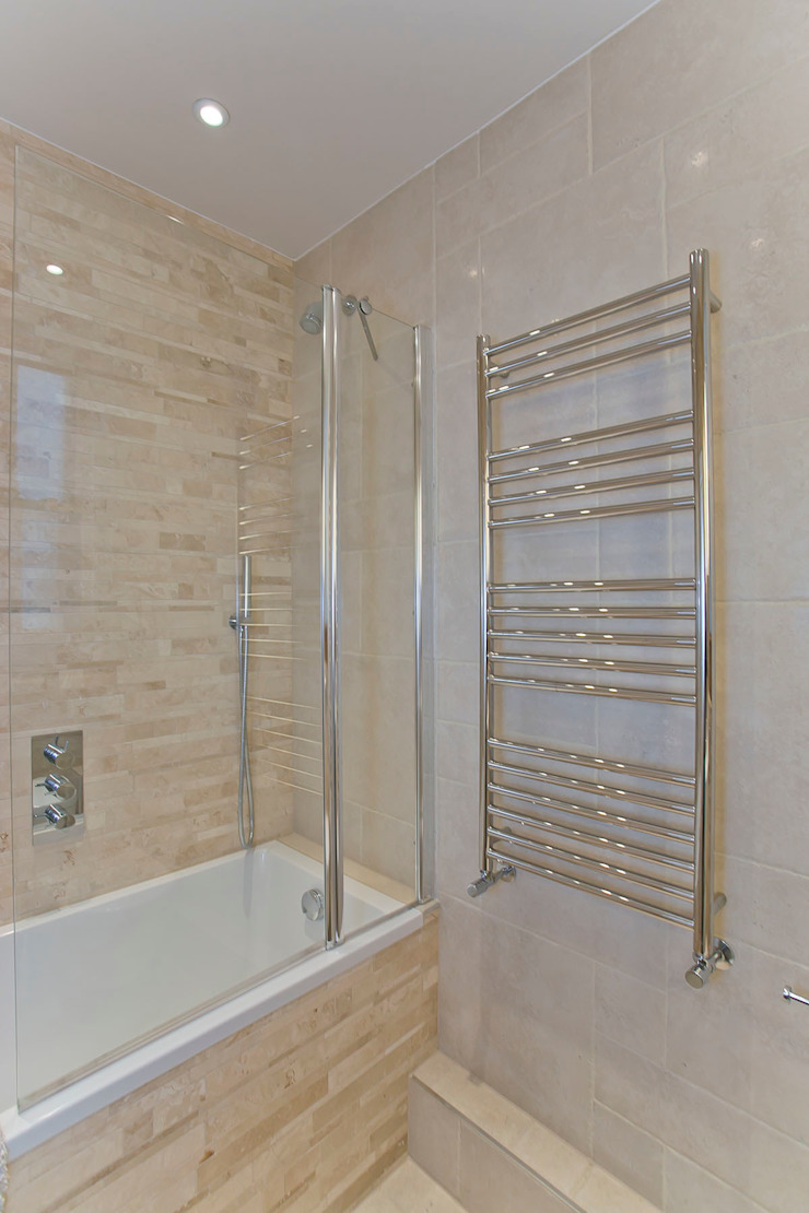 Bathroom 2: modern  by Temza design and build, Modern