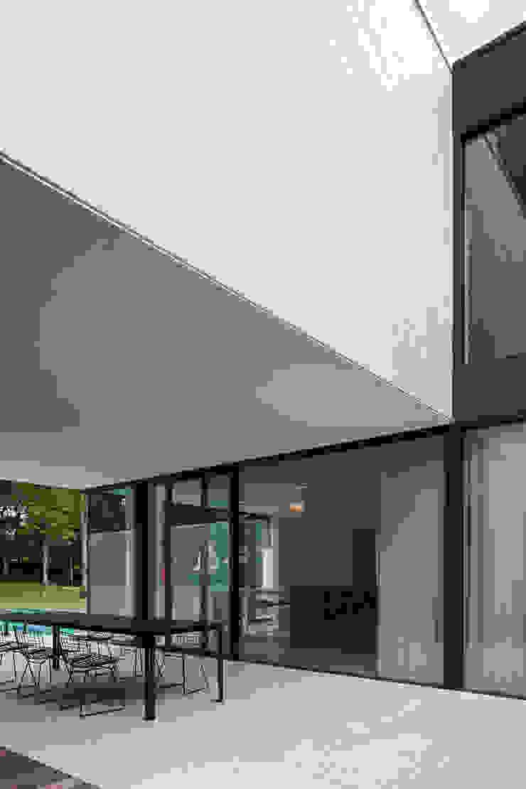 DM Residence Moderne huizen van CUBYC architects Modern