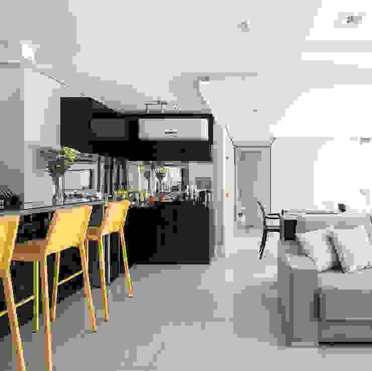 Estar e Jantar Salas de estar modernas por Blacher Arquitetura Moderno