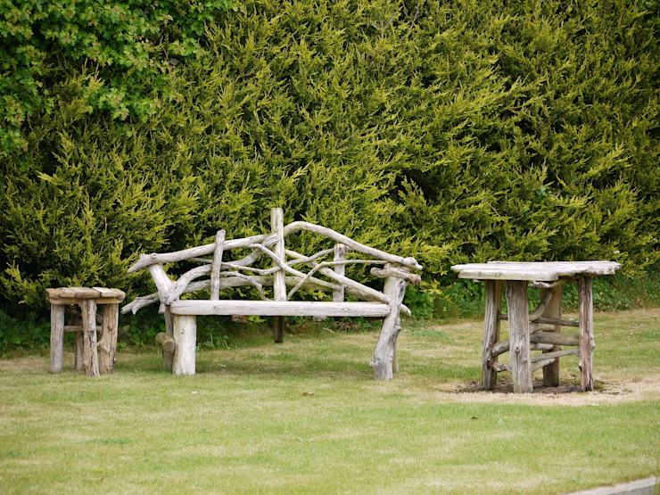 Driftwood Garden Bench And table: rustic  by Julia's Driftwood, Rustic