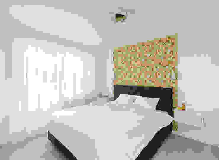 квартира <q>Машина для жилья</q> Спальня в стиле минимализм от 'Живые вещи 'Максимовых- Павлычевых' Минимализм