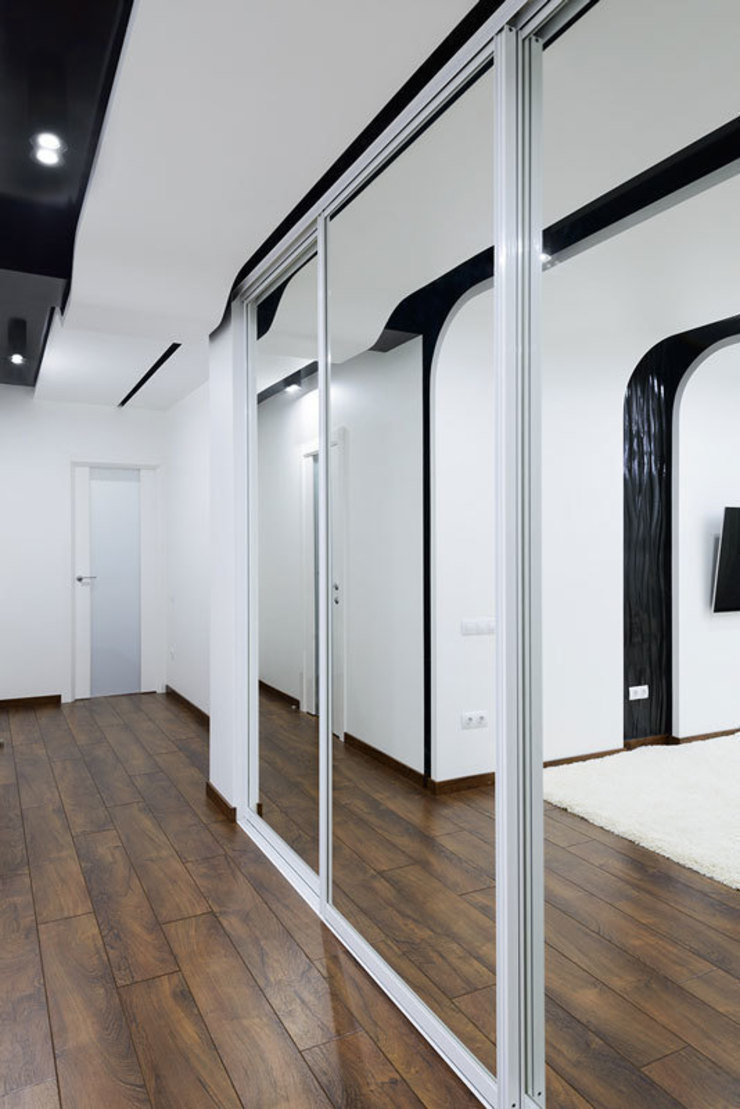 квартира <q>Капсула</q> Коридор, прихожая и лестница в модерн стиле от 'Живые вещи 'Максимовых- Павлычевых' Модерн