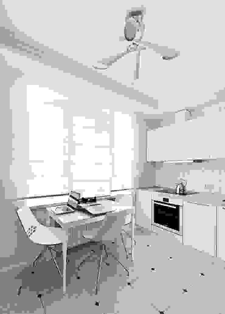 квартира <q>Дом для художника</q> Кухни в эклектичном стиле от 'Живые вещи 'Максимовых- Павлычевых' Эклектичный