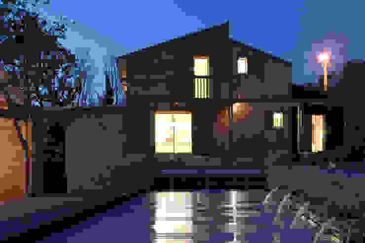 Vue Nuit Maisons modernes par Patrice Bideau a.typique Moderne