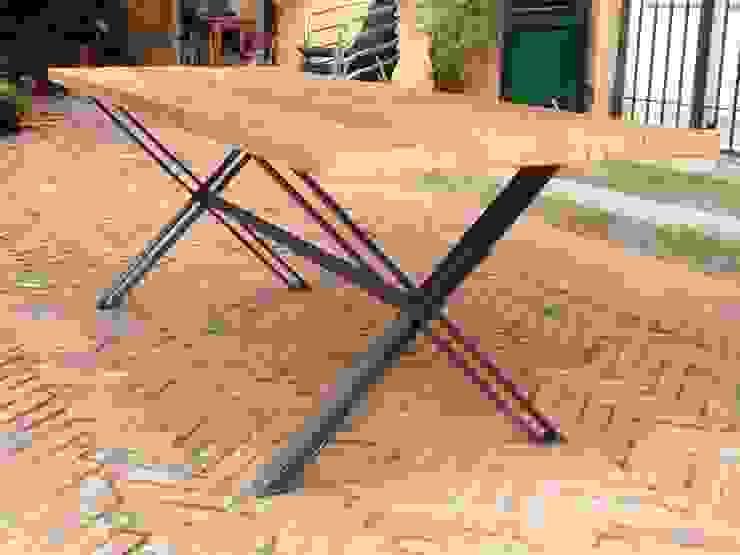 Foscolo table di 2RED DESIGN STUDIO Moderno