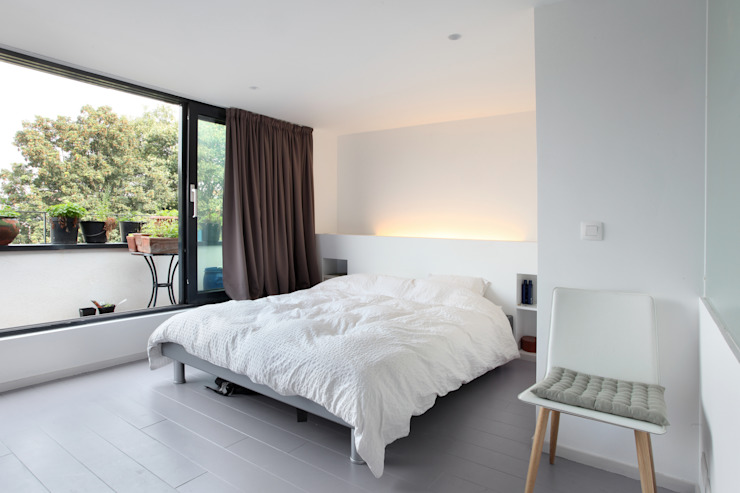 Спальня в стиле модерн от phdvarvhitecture Модерн