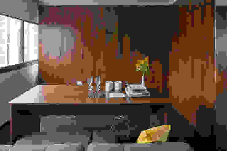 Salas de jantar modernas por homify Moderno
