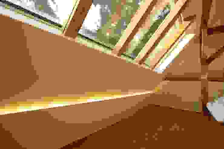 Dachausbau Kleine Villa, Bad Homburg Moderne Schlafzimmer von bjoernschmidt architektur Modern
