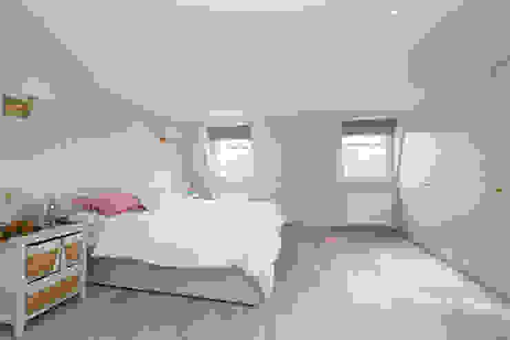 double mansard loft conversion chelsea Modern style bedroom by homify Modern