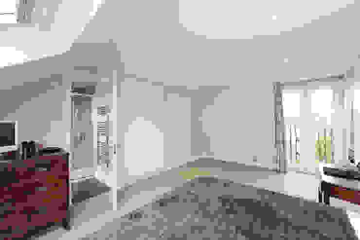 mansard loft conversion fulham Modern style bedroom by homify Modern