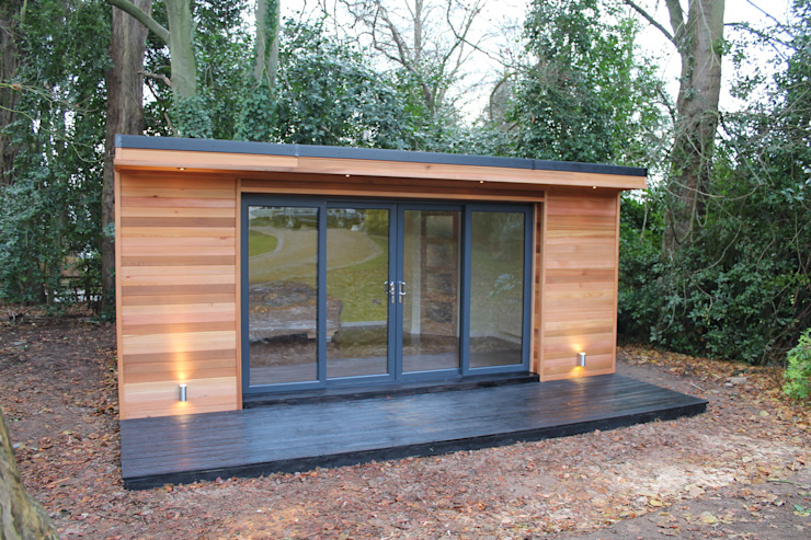 'The Crusoe Classic' - 6m x 4m Garden Room / Home Office / Studio / Summer House / Log Cabin / Chalet:  Study/office by Crusoe Garden Rooms Limited, Modern