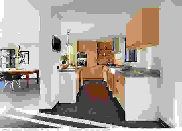 transformatie naar een ingetogen luxe villa te Heiloo Landelijke keukens van Heleen Rombout interieurarchitect BNI Landelijk