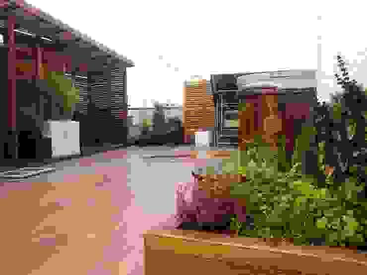 Balcon, Veranda & Terrasse asiatiques par GREENERIA Asiatique