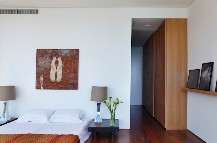 Спальни в . Автор – House in Rio, Модерн