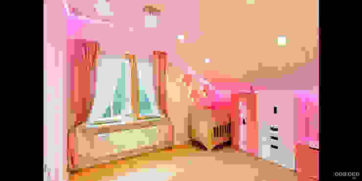 Детская младшей дочери Детская комнатa в стиле минимализм от oneione Минимализм