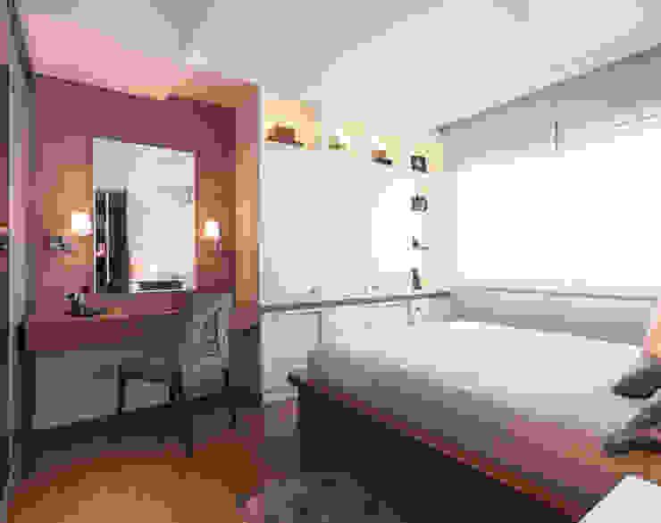 Modern Bedroom by Braccini + Lima Arquitetura Modern