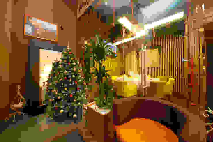 Ресторан Bona Capona II Бары и клубы в стиле минимализм от oneione Минимализм