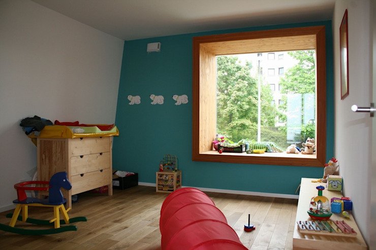 Nursery/kid's room by böser architektur, Modern