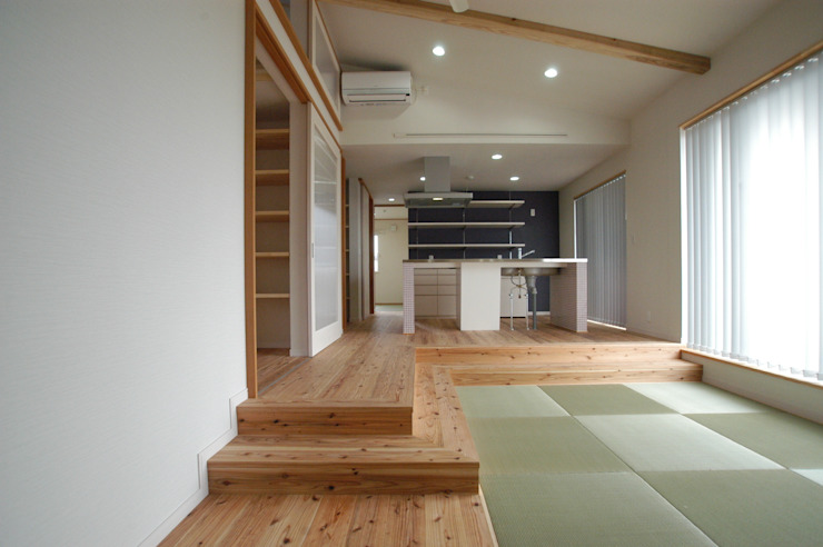 Eclectic style living room by 徳増建築設計事務所 Eclectic