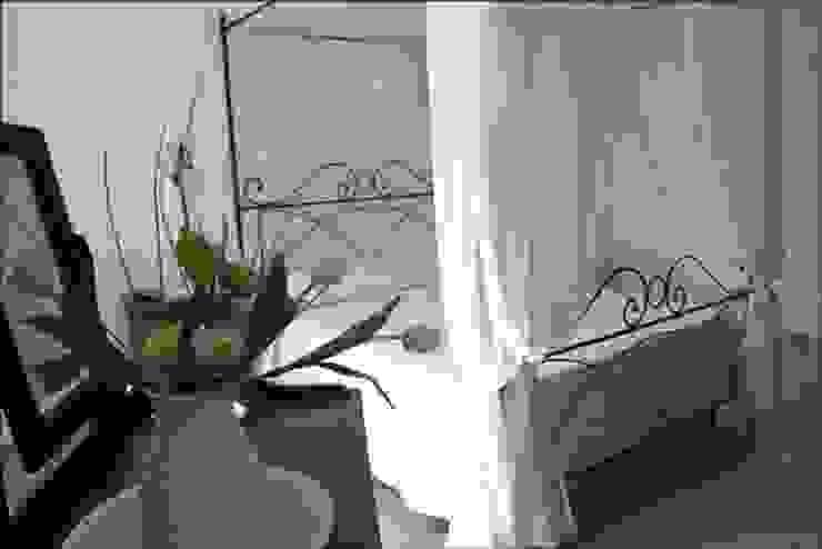 B&B LA TORRE Camera da letto in stile classico di Ilaria Panchetti Architetto Classico