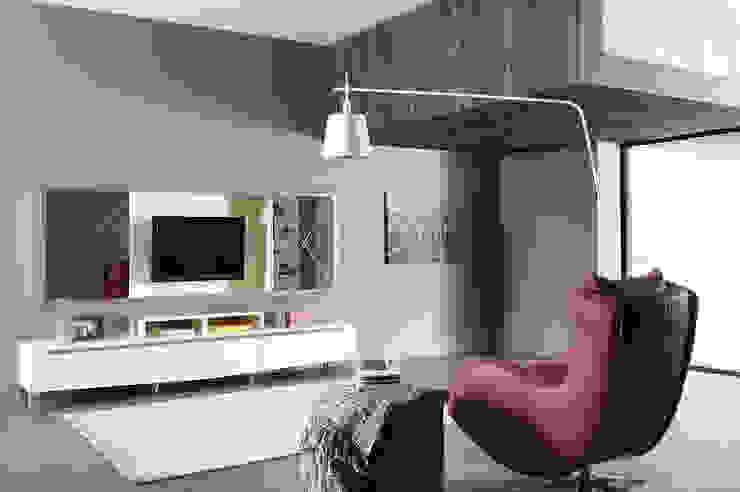 Trabcelona Design – iber tv ünitesi: modern tarz , Modern