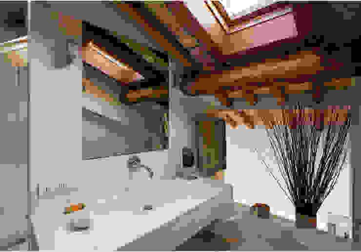 Studio Fori Modern style bathrooms