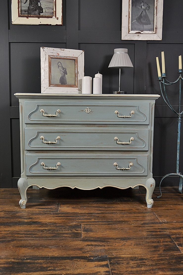 French Blue & White Oak Chest of Drawers: classic  by The Treasure Trove Shabby Chic & Vintage Furniture, Classic