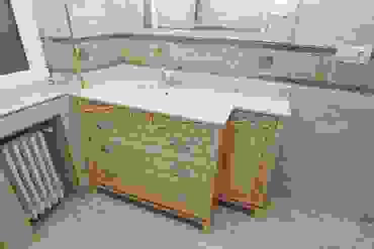 Mueble para lavabo de Adrados taller de ebanistería Ecléctico