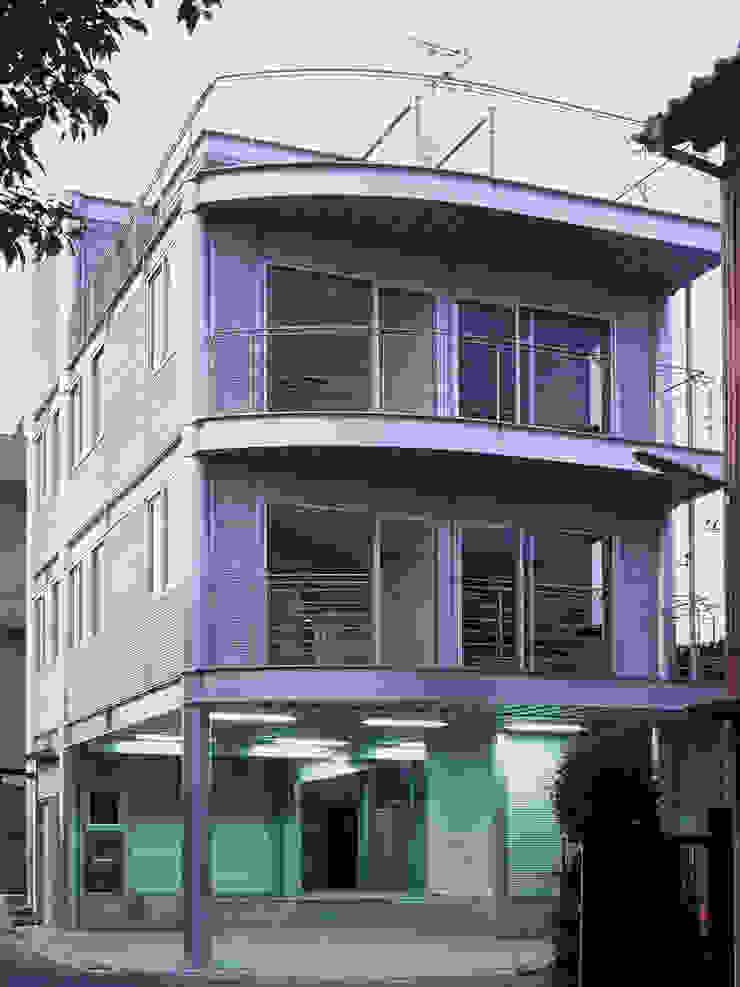 SILVER WAVE モダンな 家 の SOCIUS一級建築士事務所 モダン 鉄/鋼
