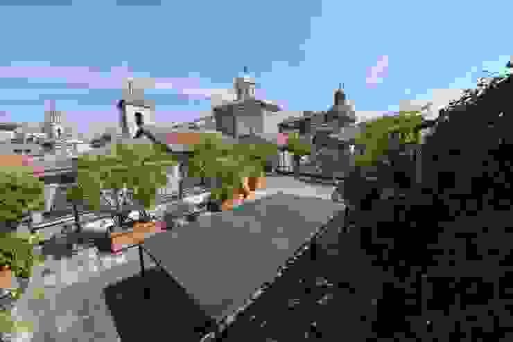La terrazza Balcone, Veranda & Terrazza in stile classico di Studio Fori Classico