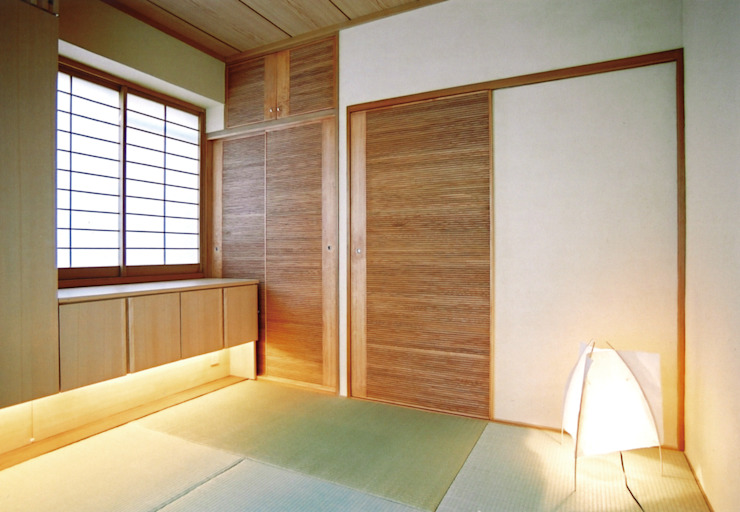 Habitaciones de estilo ecléctico de 株式会社エキップ Ecléctico